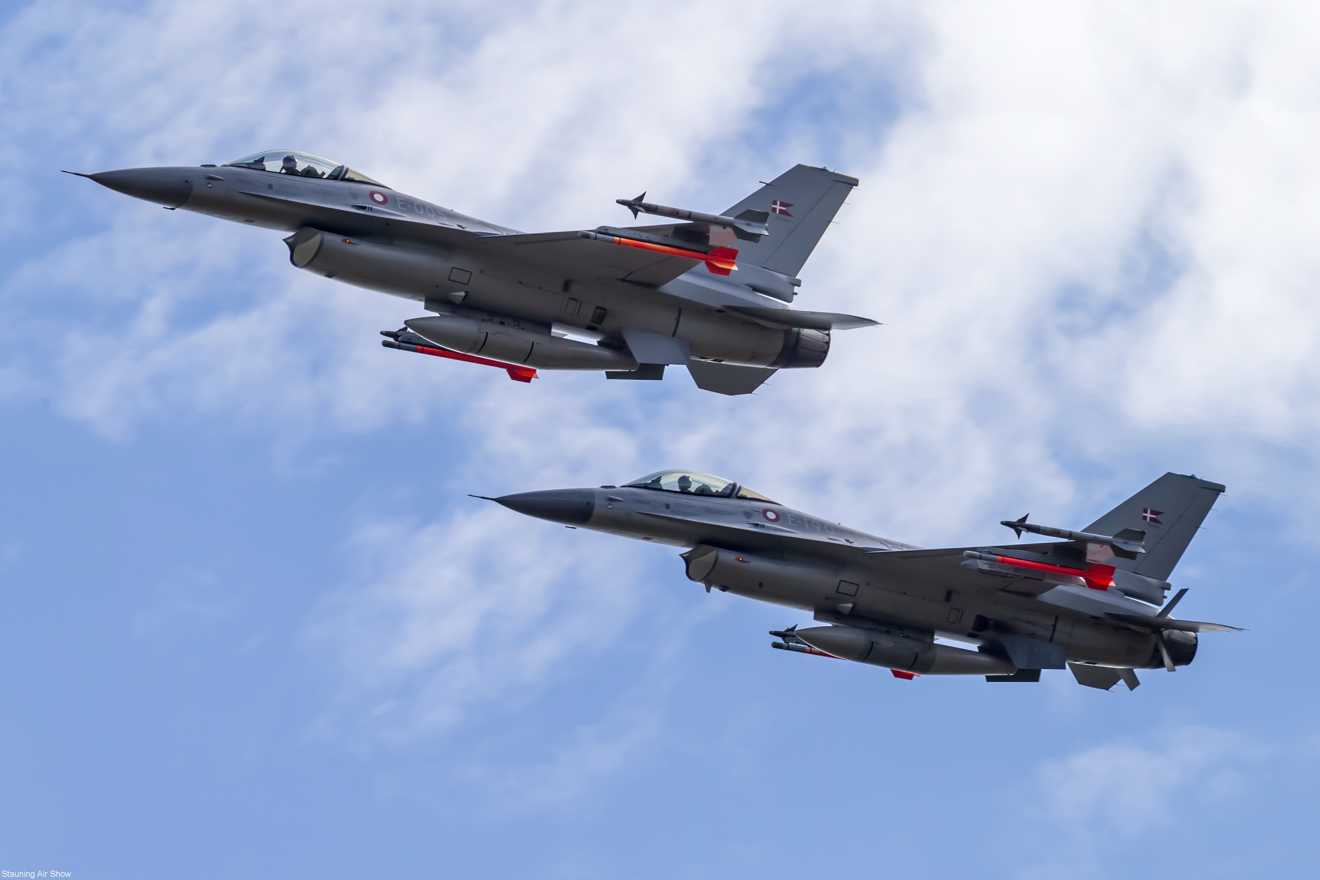 f16formation_a7x3765_0